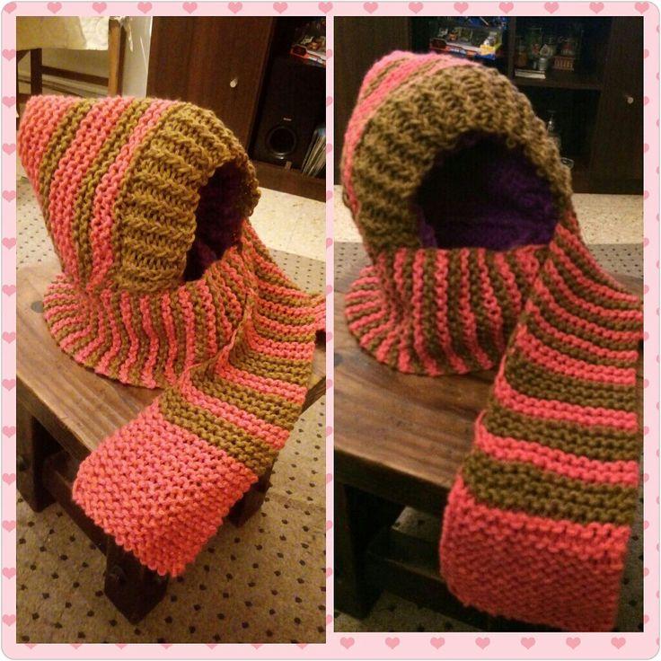 Capuha con bufanda hecha con telar circular