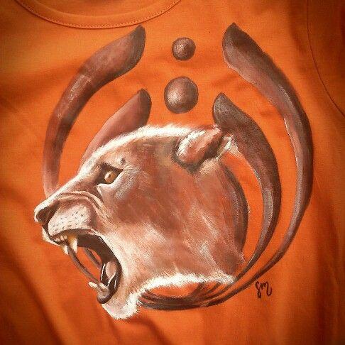 #lwica #lioness #lion #lew Ręcznie malowana koszulka. Unikalny wzór. Napisz i zamów! Rekodziela.eu.