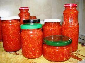 Sos picant care poate fi conservat pentru iarna, iar gustul deosebit se va păstra până în primavară. Se combină perfect și cu legume,cu carne sau pește. Vă prezentăm o rețetă ușor de preparat, care merită să fie adăugată în lista de rețete preferate. INGREDIENTE: 2,5 kg de roșii; 1 kg ardei gras; 100 gr de ardei iute roșu; 1 kg de morcov; 1 kg d emere verzi; 1 pahar de zahăr; 0,25 pahar de sare; 0,5 pahar oțet 9%; 1 pahar ulei; 200-300 gr de usturoi. MOD DE PREPARARE: Treceți toate legumele…