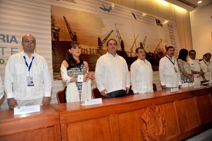 Veracruz, sede de la Segunda Sesión Ordinaria Zona Sureste de la Conferencia Nacional de Procuración de Justicia, que se desarrolla en la ciudad de Boca del Río, con la asistencia del gobernador Javier Duarte, la procuradora Marisela Morales.