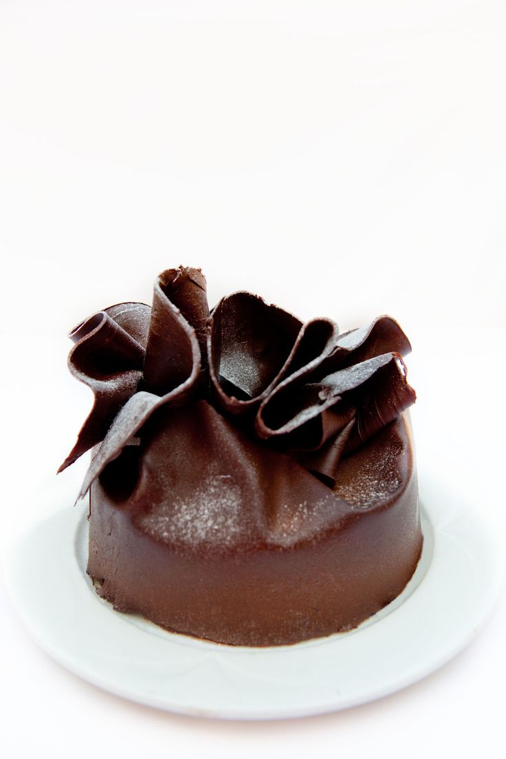Belgian Dark Chocolate Fudge Cake ♥