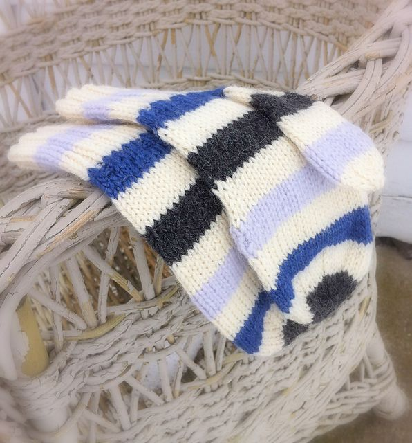 Ravelry: Simply Striped Mittens pattern by Pearls Toronto, free