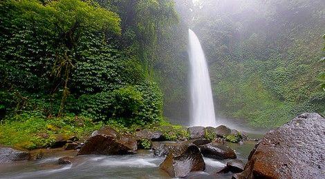 Nung Nung Waterfall    www.travelling-bali.com