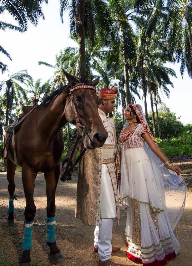 Welcoming the Maharaja Sherwani paired with Red Royal Gold with white base ~ via our Jodhaa Akbar Scene Shot  ~ LOVE
