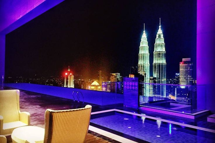 Apartament w Kuala Lumpur, Malezja. Welcome my guest.  The infinity pool located on the 51st floor offers panoramic views of the Kuala Lumpur's skyline where guests can dip and relax in the pool with views of Petronas Twin Towers and KL Tower as the backdrop.  Merely 5 Min walk  to ...