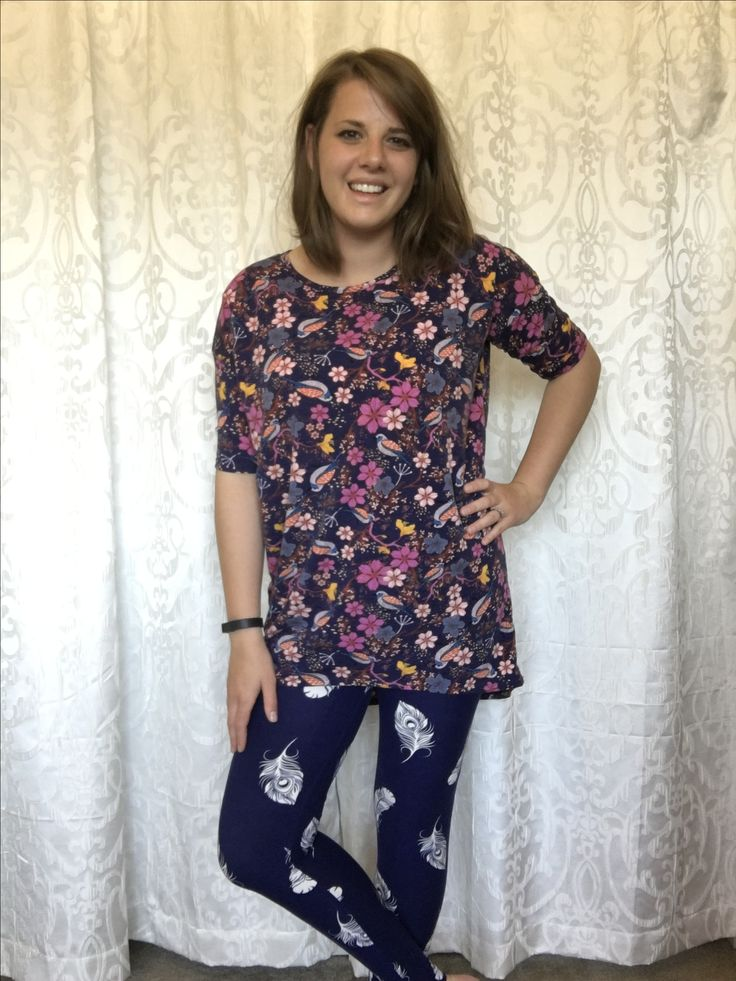 I call this outfit a LuLaRoe slant rhyme! It's not a perfect match, but close enough that the pieces definitely work together. Love pattern mixing with the Irma and leggings! Join my VIP Shopping Group for more styling inspiration! #lularoebykatelynwatkins