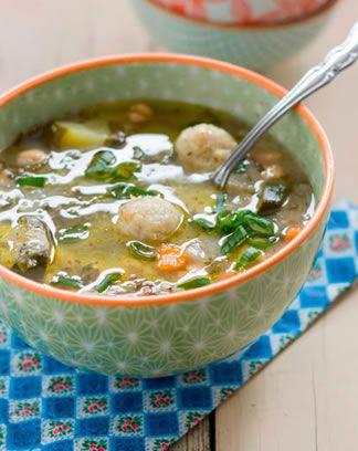 Soupe Libanaise de lentilles, blettes, kibbeh et citron _ Recette de Blog _ http://www.cuisineaz.com/dossiers/cuisine/soupes-cuisine-du-monde-13779.aspx