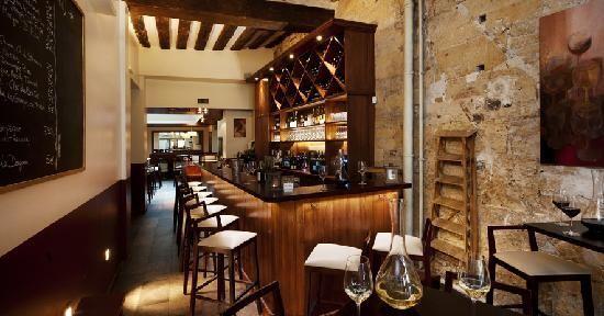 Espace bar à vins 100% recommende!