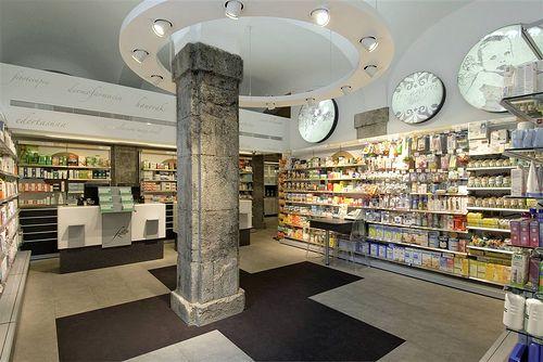 2 Farmacia Zubia   www.mobil-m.es/ Diseño de farmacias Mobil…   Flickr
