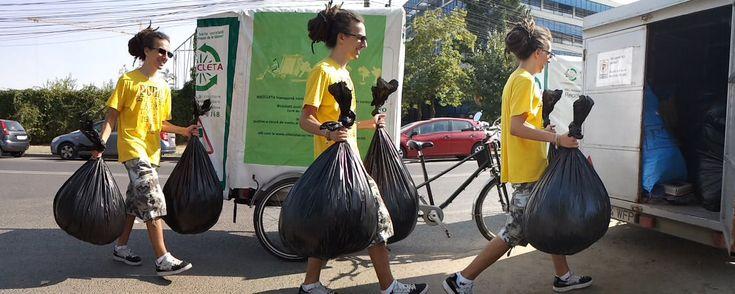 130 de tone de hârtie reciclabilă pe bicicletă…