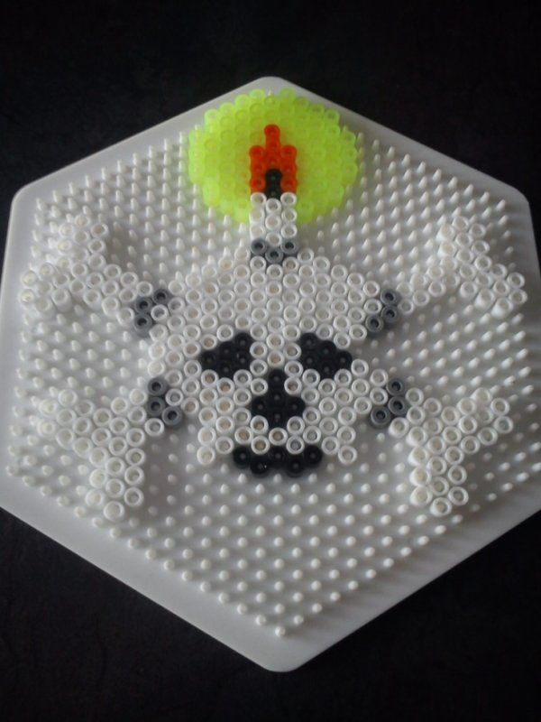Skull Halloween hama beads by mamypapou
