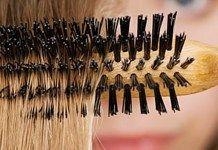 Přírodní recept, jak snadno vyčistit kartáč na vlasy