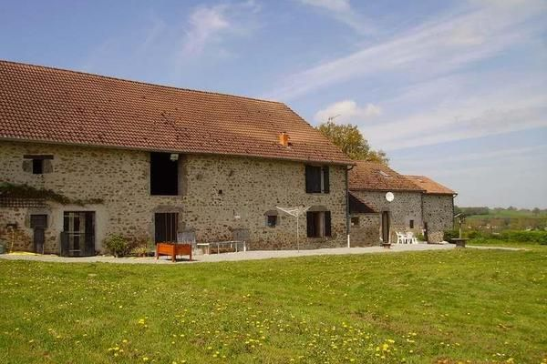 St Hilaire La Treille (87) - A large stone farm complex within an impressive large courtyard. Good potential for a holiday complex, or equestrian centre.
