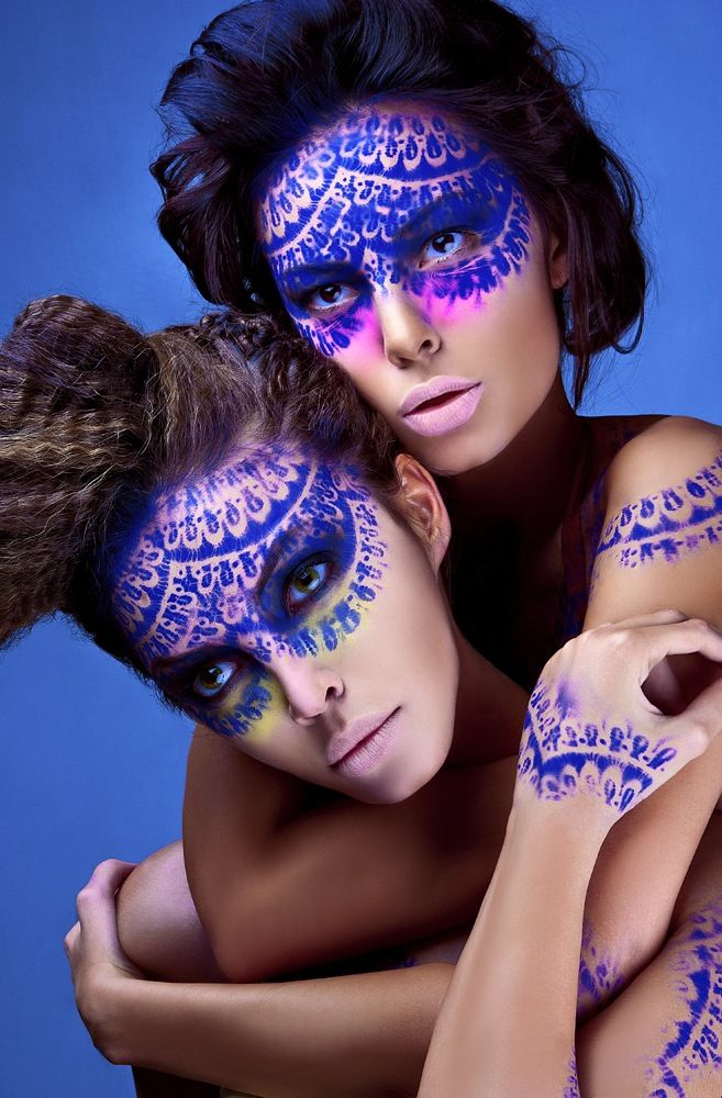 make-up and airbrush painting by Natali Voys. love  Wondering if 1 makeup artists could pull this of with 2 of my models