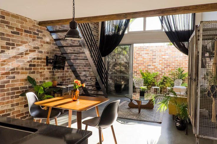 BYRON BEACH ABODES :: Accommodation Options.