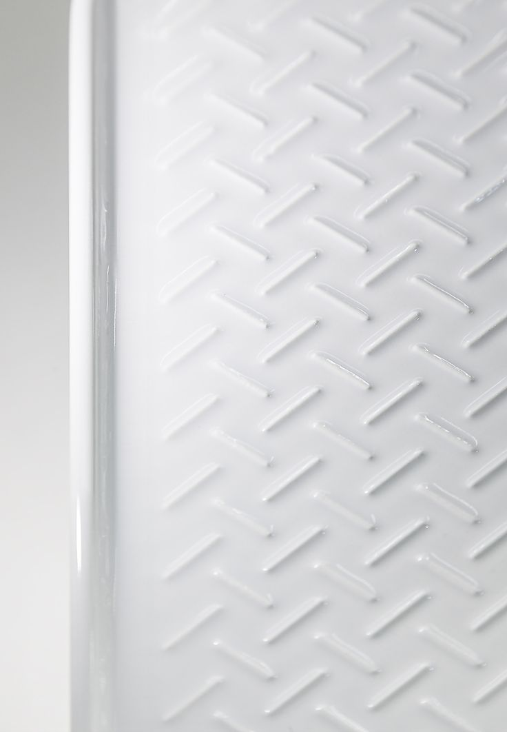 SAPHIRKERAMIK by Laufen  ceramic with architectural lines