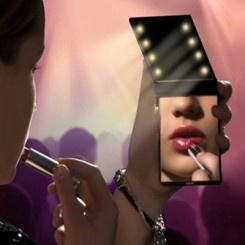 Model Mirror | Specchietto da Borsa Compatto con Luci LED   http://www.doxbox.it/shop/products/MODEL-MIRROR-Specchio-Compatto-con-Luci-LED.html