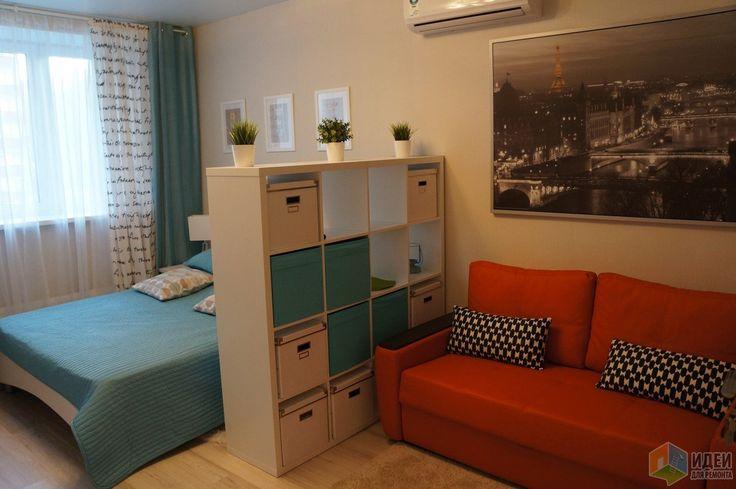 Интерьер спальни-гостиной, зона гостиной и спальник