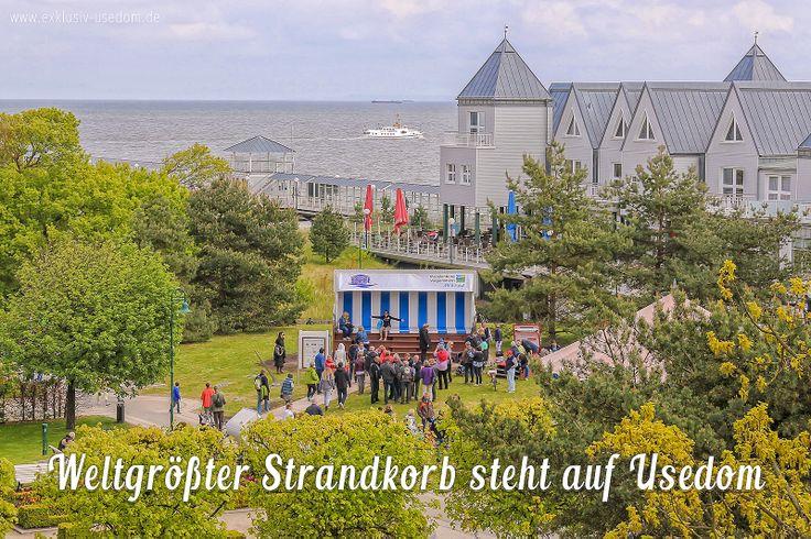 Weltgrößter XXL Strandkorb steht auf Usedom im Seebad Heringsdorf.