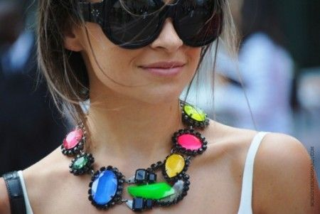 wwww.americanloveaffaironline.com: Fashion Statement, Statement Necklaces, Neon Necklaces, Miroslava Duma, Street Style, Mira Warming, Neon Colors, Bright Colors, Chunky Necklaces