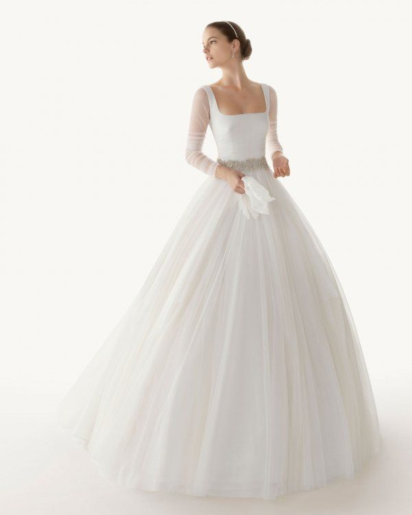 so gorgeous.Wedding Dressses, Ball Gowns, Ivory Wedding Dresses, Gowns Squares, Sleeved Wedding Dresses, Clear 2013, Wedding Gowns, Sleeve Wedding Dresses, Classy Dresses