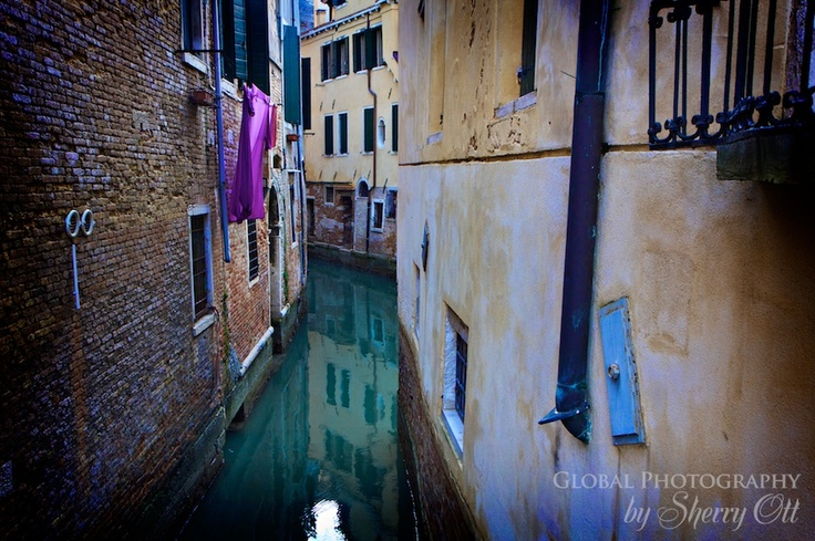 Line drying clothes in Venice