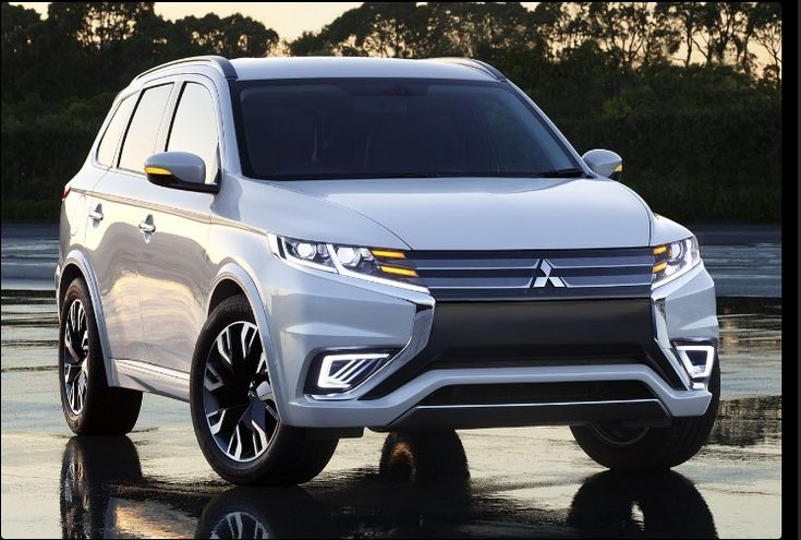The Mitsubishi Pajero 2018 offers outstanding style and technology both inside and out. See interior & exterior photos. Mitsubishi Pajero 2018 New features complemented by a lower starting price and streamlined packages. The mid-size Mitsubishi Pajero 2018 offers a complete lineup with a wide variety of finishes and features, two conventional engines.