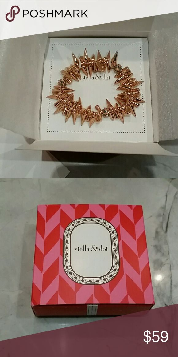 NWT Stella and Dot Renegade Cluster Bracelet As seen on Miley, Selena, and many other celebs, this edgy rose gold bracelet will complete any look! Includes gift box. Never been worn, brand new in box. Jewelry Bracelets