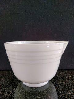 SKYSCRAPER CAPE TOWN - 20th CENTURY CLASSICS: Vintage Milk Glass Pyrex Mixing Bowl - Hamilton Be...