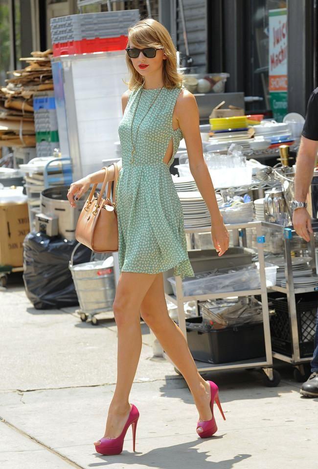 La vida de Taylor Swift es en corto y con taconazo