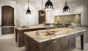 Diese Küche mit Holz und Marmor ist sehr elegant.