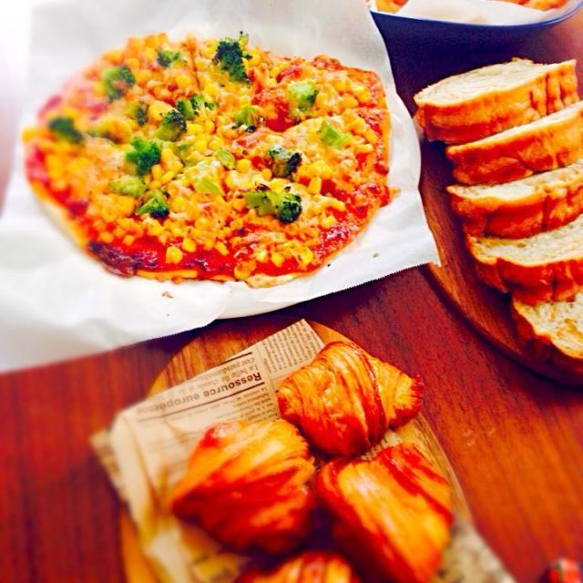 お友達が遊びに来たので♡ - 102件のもぐもぐ - コーンとツナのピザ。 by micha37hsh