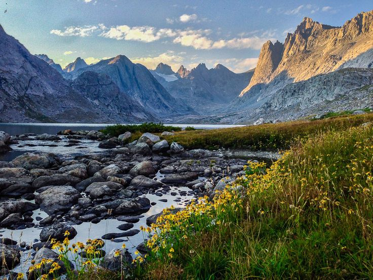 And finally, this spectacular shot of the Titcomb Basin in Wyoming that will make you want to quit your job to go hiking RIGHT NOW: | 15 Pictures That Will Change The Way You See The World
