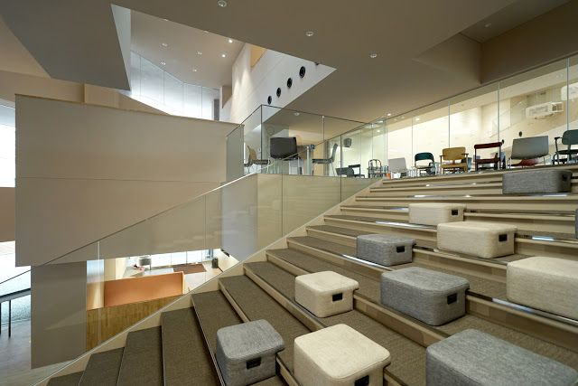 Japan Architects Com 小堀哲夫による梅光学院大学新校舎 The Learning Station Crosslight 大階段 スツール 収納 レイアウト