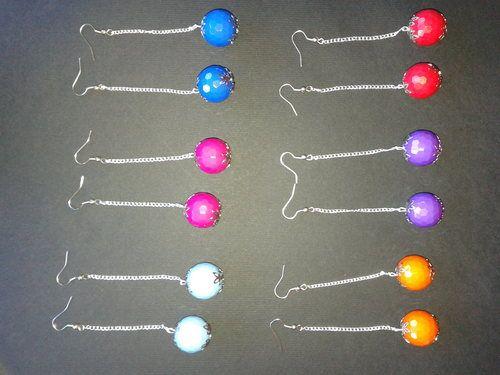 compra da qui: http://stokkolotto.it  Lotto 30 paia Orecchini Ciondoli Pendenti con catenella e perla sfaccettata 20mm colorata blu, rosso, violetta, fucsia, azzurra ecc. ecc. da donna bigiotteria in stock €20,00