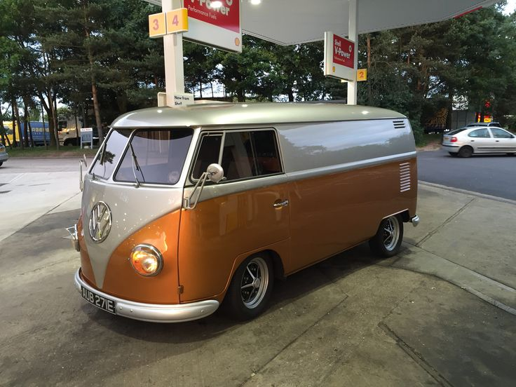 Classic VW Splitscreen Van Available To Hire Throughout The UK For Corporate Events And Shows From