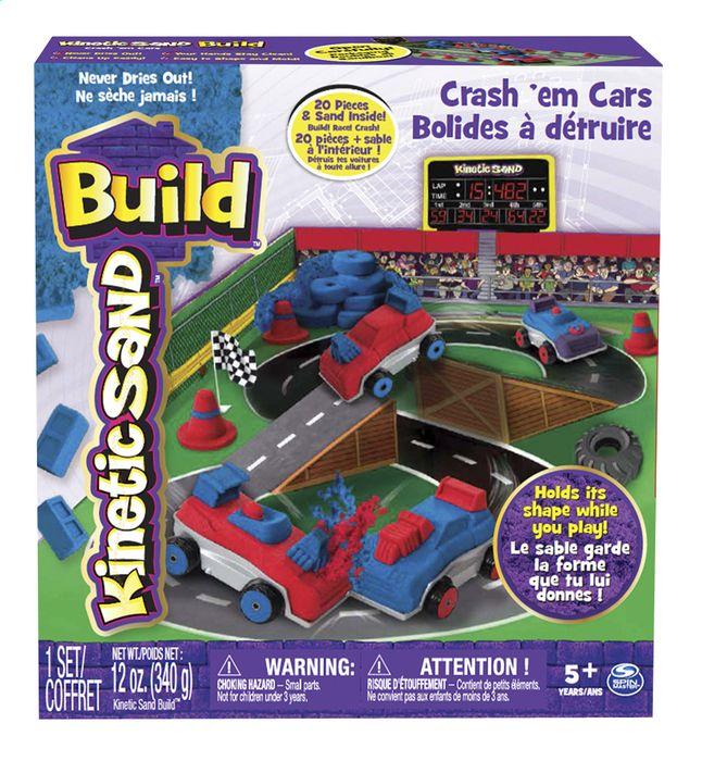 Maak jouw racewagens met de vormen uit deze Kinectic Sand Build hobbydoos van Spin Master en laat ze de meest spectaculaire botsingen maken.