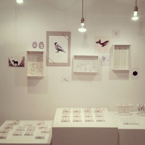 Change of scenery at the shop #wall #bonbonboutique #shop #amsterdam #jewelry #prints #cards #maartjevandennoord #bonbiforest #studiomhl #studiokoosje (bij BonBon Boutique)