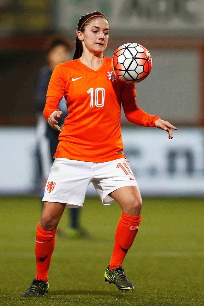 Danielle Van De Donk Photos Photos Netherlands Women V Japan Women International Friendly In 2020 Football Girls Womens Football Women S Soccer
