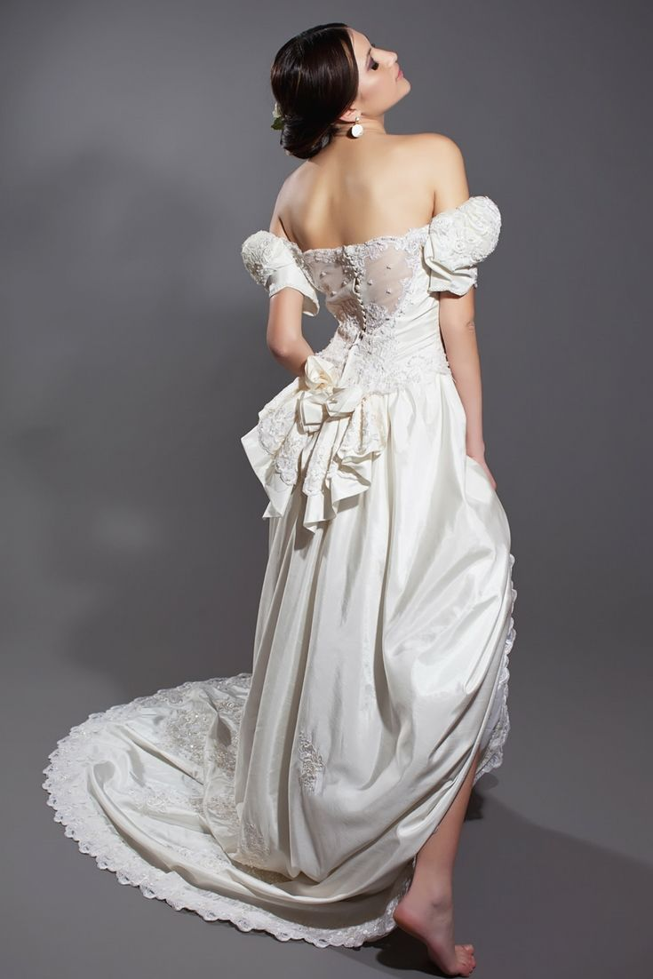Your top wedding dress catalogue in search of the modern bridal