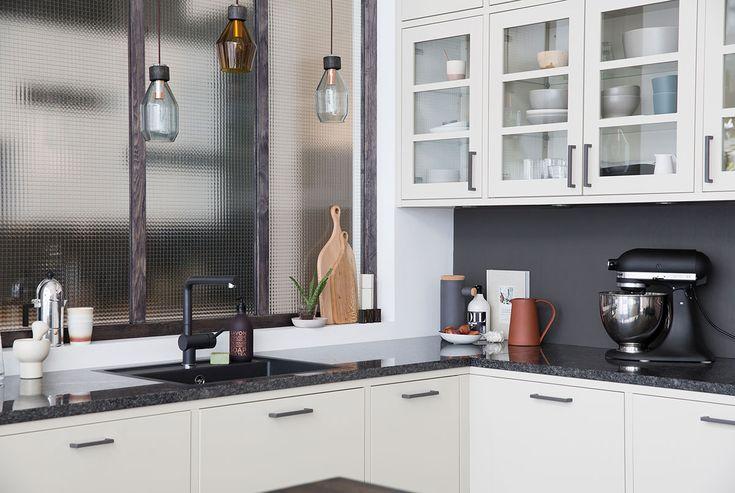 Köksinspiration -  Modernt kök med köksö - Bistro