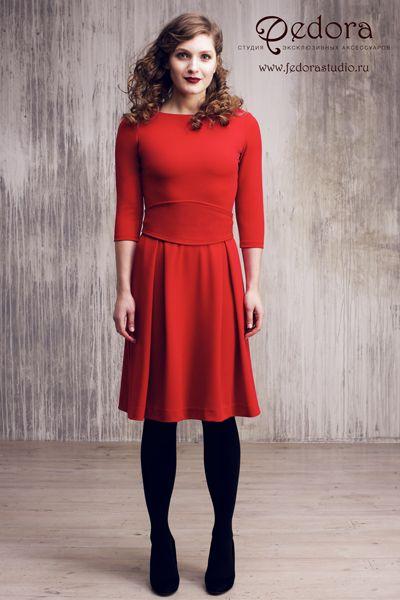 Платье Шанталь яркого алого цвета! Рукав 3/4. Красивая струящаяся юбка, широкий пояс-кушак. Состав: трикотаж-вискоза. Размер 42-48. 5500 руб.