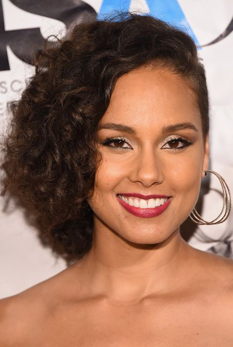 Haircuts to try this weekend: Alicia Keys' flipped crop