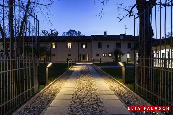Villa Nachini Cabassi nasce dalla volontà di delle aziende viticole per promuovere il territorio. Presso la villa è presente l'infopoint, punto vendita enogastronomico e l'enoteca osteria dove si possono gustare ottimi vini e piatti deliziosi.