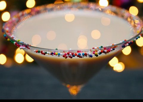 Sugar Cookie Martini? It's super simple, requires very few ingredients, and will totally satisfy your holiday sweet tooth. Forget cookies; have a cocktail instead!