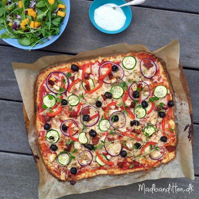 Sådan laver du sprød blomkålspizza! Hemmeligheden bag en sprød blomkålsbund! --> Madbanditten.dk
