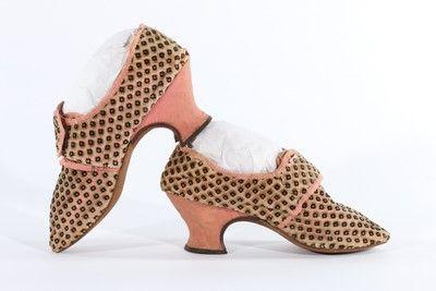 #1700s #velvet #pink #shoes #eighteenthcentury