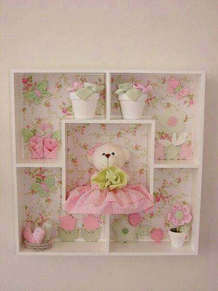 Quadro infantil rosa e ursa