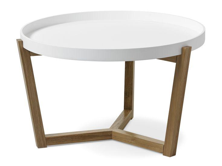 Flexa är ett soffbord i skandinavisk stil med enkel och genomtänkt design. Det har underrede i lackerad massiv ek med brickliknande bordsskiva. Skivan finns vitlackerad eller betonggrålackerad. För att efterlikna betong är alla grå skivor unika med lite skiftningar för att få till det rätta utseendet. Flexa passar bra med både våra skandinaviska och moderna soffor. Soffbordet finns även i en mindre storlek.