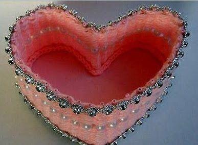 Reaproveitamento e reciclagem: Caixa de jóias com papelão e palitos de dentes